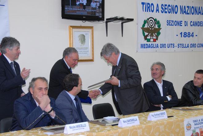 125°-Anniversario-della-Fondazione.-Il-Presidente-UITS-premia-il-TSN-Candela-rid