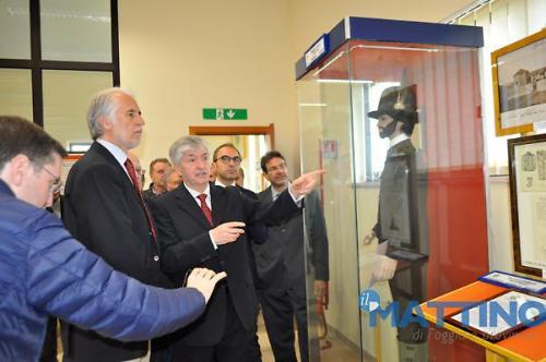 Malagò prende visione dell' esposizione museale 1